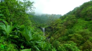 Mahuli fort waterfall